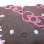 Gingerbread Hello Kitties and decorating cookies with cookie dough!|Hello Kitties de jengibre y cómo decorar galletitas con masa de galletitas